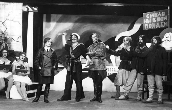 Агитационная постановка в театре